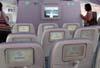 Monitores individuais dos assentos da Classe Econômica do deck superior do Airbus A380, número de série 007, F-WWJB, futuro avião da Emirates. (11/12/2007)