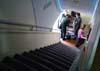 Escada frontal do Airbus A380, número de série 007, F-WWJB, futuro avião da Emirates. (11/12/2007)