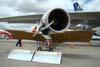 Réplica do Demoiselle do Museu Asas de Um Sonho ao lado do Airbus A380, número de série 007, F-WWJB, futuro avião da Emirates. (11/12/2007)