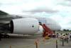 Airbus A380, número de série 007, F-WWJB, futuro avião da Emirates, e a réplica do Demoiselle do Museu Asas de Um Sonho. (11/12/2007)