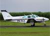 Beechcraft 95-B55 Baron, PR-VLE, da EJ Escola de Aviação Civil. (28/11/2015)