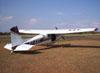 Cessna 180B, PT-KXT, do comandante Costa, usado para o lançamento e pára-quedistas.
