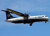 ATR 72-600, PR-ATP, da Azul, pousando em Araraquara. (10/01/2014)