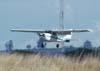 Cessna 150J, PT-AKY, da Mariano Escola de Aviação. (25/11/2006)