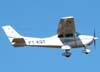 Cessna 182P Skylane, PT-KQY, decolando do Aeroporto de São Carlos. (30/03/2008) Foto: Rodrigo Zanette