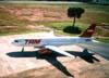 Airbus A320-232, PR-MAC, da TAM, recebido diretamente do fabricante no dia 3 de abril de 2002. (04/2003) Foto: Rogério Castellao.