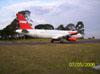 Airbus 320-232 (PR-MAE), da TAM, taxiando em direção a pista.