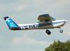 Cessna 152, PR-EJI, da EJ Escola de Aviação. (01/02/2012)