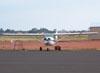 Cessna 150J, PT-AKY, da Mariano Escola de Aviação. (02/09/2006)