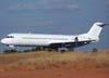 Fokker F-100, PT-MRC, ex-TAM, já com a pintura branca para devolução, durante o pouso, logo após um vôo de teste. (05/07/2007)