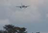 Airbus A319-132, PR-MAL, da TAM, se aproximando para o pouso na cabeceira 02. (12/10/2006)