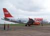 Airbus A319-132, PR-MAL, da TAM, taxiando no pátio em frente a torre de controle. (12/10/2006)