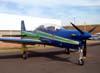 Embraer T-27 Tucano número 5, FAB 1394, da Esquadrilha da Fumaça, estacionado no pátio do Daesp. (15/06/2008)