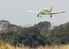 Piper PA-28R-200 Cherokee Arrow, PT-KRK, se aproximando para pousar na pista 02. (15/06/2008)