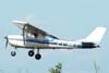 Cessna 150J, PT-AKY, da Mariano Escola de Aviação. (16/02/2008)