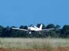Piper/Embraer EMB-712 Tupi, PT-NXW, da Mariano Escola de Aviação, se aproximando para o pouso. (28/01/2007)