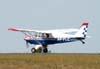 Aero Boero 115, PP-FLC, do Aeroclube de Itápolis, correndo para decolar. (28/05/2008)