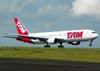 Boeing 767-33AER, PT-MSQ, da TAM. (04/02/2011)