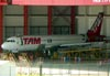 Airbus A320-232, PT-MZV, da TAM. (05/02/2011)