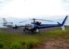 """A esquerda, o Dassault Falcon 7X do Grupo Pão de Açúcar, e o Eurocopter AS-350 B2 """"Esquilo"""" (Globocop) da Rede Globo, operado pela Helisul Táxi Aéreo. (14/03/2009)"""
