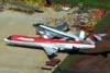 """Abaixo, o Fokker 100 (F28MK0100), PR-OAI, da OceanAir, e o Douglas DC-3 """"Rose"""", N101KC. (31/12/2008)"""