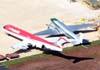 """A esquerda, o Fokker 100 (F28MK0100), PR-OAI, da OceanAir, e o Douglas DC-3 """"Rose"""", N101KC. (31/12/2008)"""