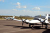 Piper/Neiva EMB-810D Seneca III, PT-RTW, e Piper PA-34-220T Seneca V, PR-CXP. (16/06/2012) Foto: Felipe Dionízio.