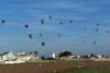 Balões sobrevoando a região de Rio Claro, durante a penúltima prova do 1° Open Brasil de Balonismo. (23/06/2007)