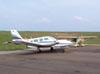 Em priemeiro plano, EMB-810C Seneca e logo atrás um P56 Paulistinha.