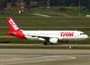 Airbus A320-214, PR-MHA, da TAM. (04/07/2013)
