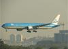 Boeing 777-306ER, PH-BVA, da KLM. (28/08/2013)