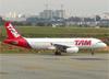 Airbus A320-232, PR-MAD, da TAM. (28/08/2013)