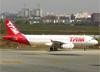 Airbus A320-232, PT-MZT, da TAM. (28/08/2013)