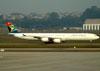Airbus A340-642, ZS-SNG, da South African. (01/07/2011)