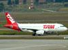 Airbus A319-132, PT-MZE, da TAM (Voando para a Pantanal). (01/07/2011)