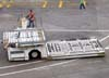 Loader (equipamento usado para o carregamento de carga) da Swissport. (06/07/2008)