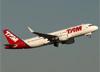 Airbus A320-214 (WL), PR-TYD, da TAM. (07/08/2014)