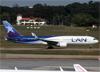 Boeing 767-316ER (WL), CC-CRV, da LAN Airlines. (07/08/2014)