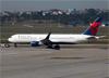 Boeing 767-332ER (WL), N1604R, da Delta. (07/08/2014)