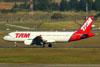 Airbus A320-214, PR-MHN, da TAM. (09/07/2011)