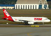 Airbus A320-232, PR-MAY, da TAM. (09/07/2011)