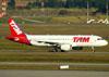 Airbus A320-214, PR-MHU, da TAM. (09/07/2011)