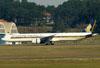 Boeing 777-312ER, 9V-SWH, da Singapore. (09/07/2011)