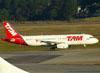 Airbus A320-232, PR-MBH, da TAM. (09/07/2011)