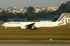 Boeing 777-328ER, F-GZNB, da Air France. (09/07/2011)