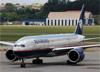Boeing 777-2Q8ER, N746AM, da Aeromexico, taxiando no aeroporto de Cumbica, em Guarulhos. (10/12/2014)
