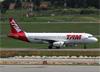 Airbus A320-232, PR-MBE, da TAM. (10/12/2014)