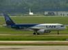 Airbus A320-233, LV-BRA, da LAN Argentina. (12/12/2012)
