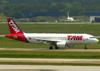 Airbus A320-214, PR-MYO, da TAM. (12/12/2012)
