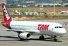 Airbus A320-232, PT-MZX, da TAM. (16/06/2011)